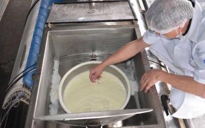 Nomes das 11 empresas investigadas por adulteração no leite são divulgados