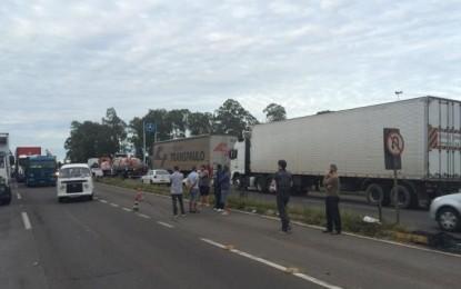 Agricultores reforçam protesto de caminhoneiros na região celeiro