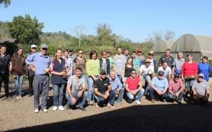 Agricultores conhecem novos métodos de produção em Dia de Campo