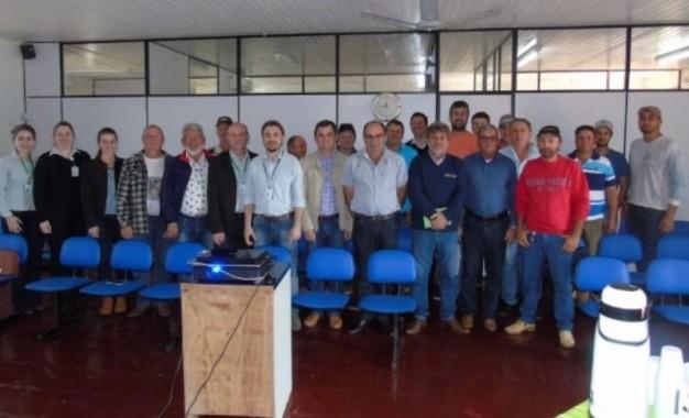 Redentora, Administração se reúne com a diretoria da Mais Frango e agricultores
