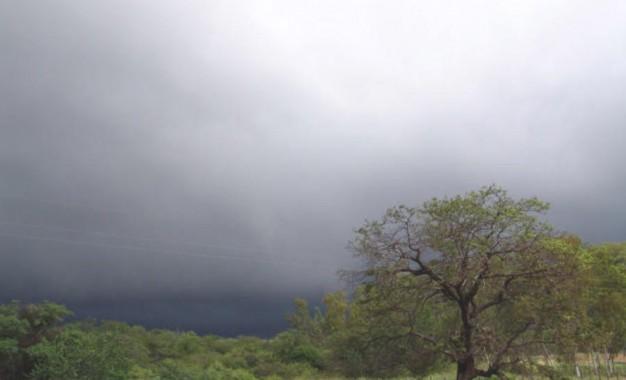 Alerta para muita chuva no Sul do Brasil nesta terça-feira