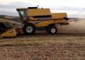 Vendas de colheitadeiras dobraram em abril