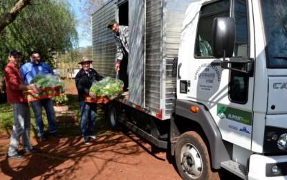 Caminhão Baú do município arrecada produtos para a Cesta Básica dos Servidores