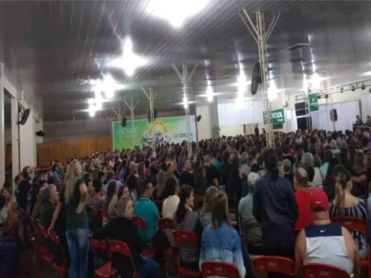 "Cresol Humaitá proporciona grande Show de humor com Badin ""O Colono""."