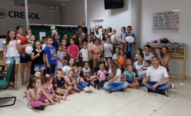 Cresol Humaitá promove encontro com crianças associadas