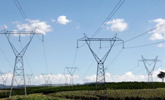 Decreto sobre subsídios para energia rural é alvo de estudo, diz MME
