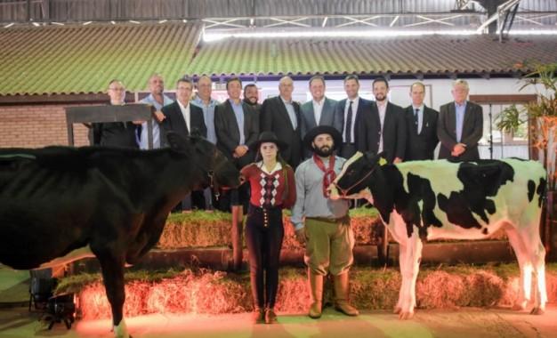 Fenasul é aberta com clamor por apoio ao setor leiteiro