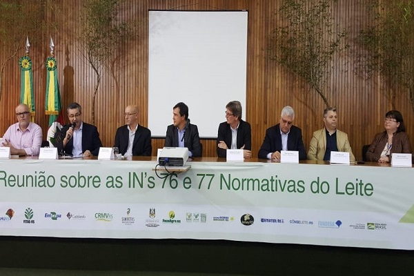 Novas regras para o leite reúnem especialistas em Porto Alegre